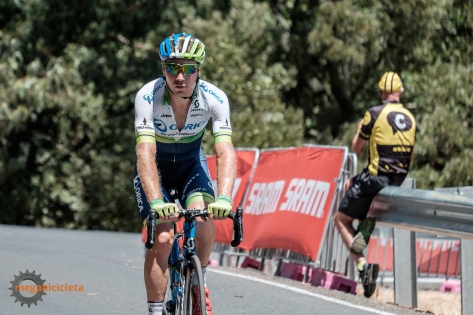 Docker was in the break at Road Nats 2016, but was called back to help his teammates chase Jack Bobridge.